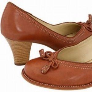 Clark's Round Toe Tasseled Leather Heels